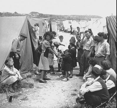 Yemenite immigrants to Israel in a camp (Wikimedia commons)