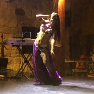 Bellydancer at the Movenpick (Seth J. Frantzman)